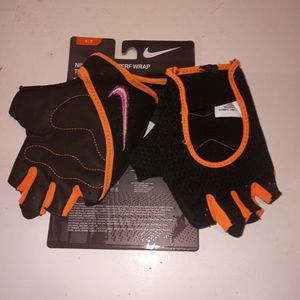 Nike womens perf wrap black gloves size S small